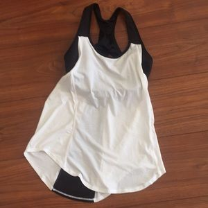 Athleta racerback top built in bra size 34D